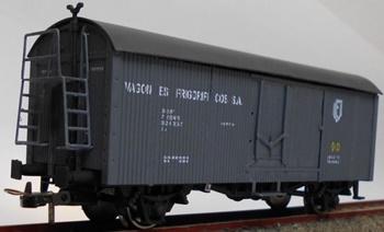 Vagón frigorífico PN-17189 en color gris.