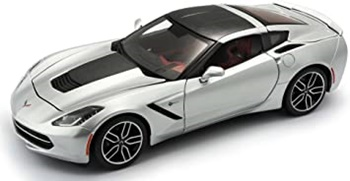 2014 Corvette color plata.