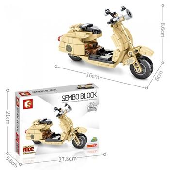Moto Vespa, 256 piezas.