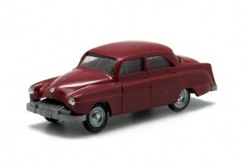 Opel Käpitan 1954. Disponible en varios colores.