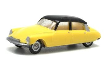 Citroën DS 19 bicolor. Disponible en diferentes colores.