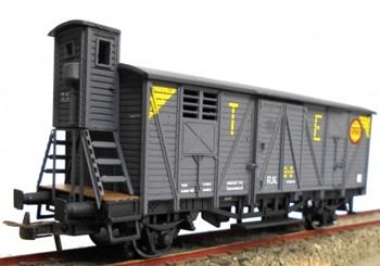 Vagón cerrado J-301775 con garita elevada, color gris TE.