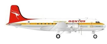 Qantas Douglas DC-4. Escala 1/200.