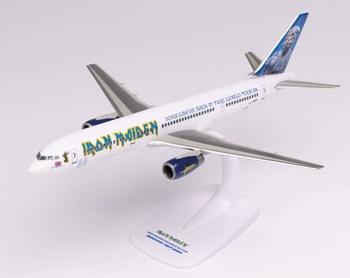 Iron Maiden Boeing 757-200. SNAP FIT